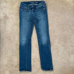 SIZE 0 AE SKINNY JEANS